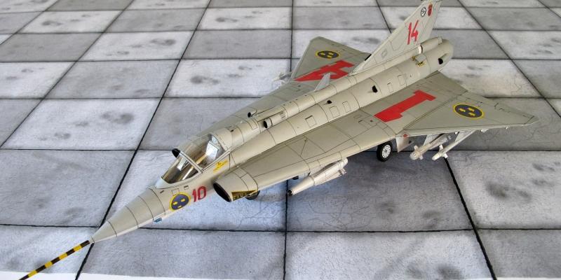 """J-35  F  """"Draken"""""""