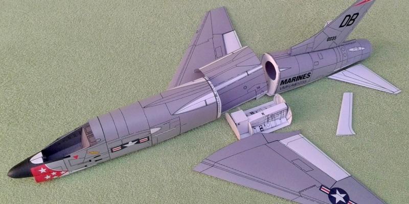 """F-8 E  """"Crusader"""""""