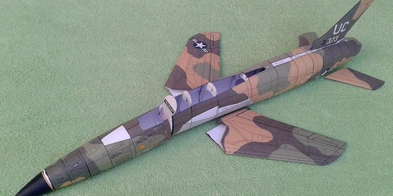 """F-105 D  """"Thunderchief"""""""